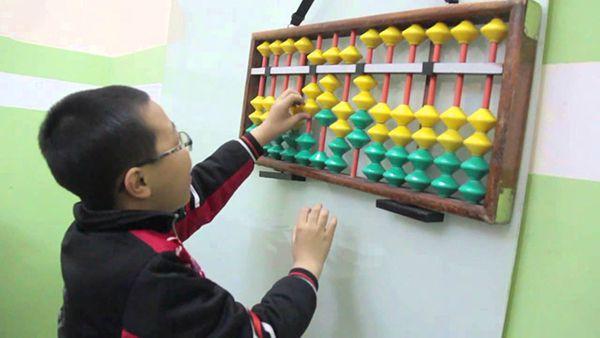 Khóa học Toán Soroban, môn toán tư duy, tính nhẩm siêu tốc-1