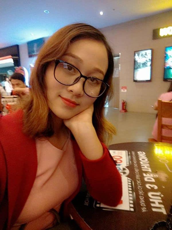 Cô Minh Thùy giáo viên dạy giao tiếp tiếng Trung